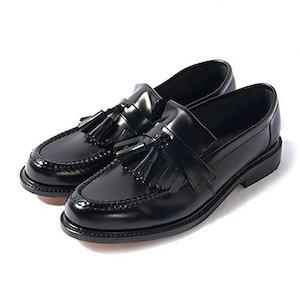 ノーザンプトンで1880年に生まれた老舗の靴ブランド「Loake (ローク)」。タッセルローファーで有名なロークは、モッズやUKロックとも深い結びつきがあると同時に