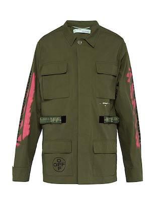 オフホワイトのジャケット